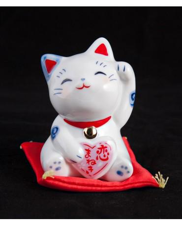 Pisica cu noroc in dragoste